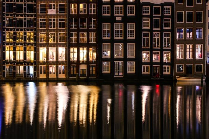 amsterdam-1454262_1920
